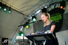 Amber-Arcades-aw2016-fotono_001
