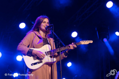 Erin-Rae-Once-In-A-Blue-Moon-Fotono_001